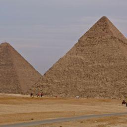 Pyramids of Giza Dec 2018