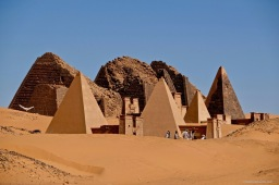 Pyramids of Meroe Mar 2019